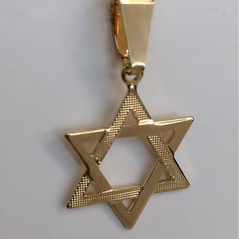 imagem Pingente Religioso Estrela de David Banhado a Ouro 18k.