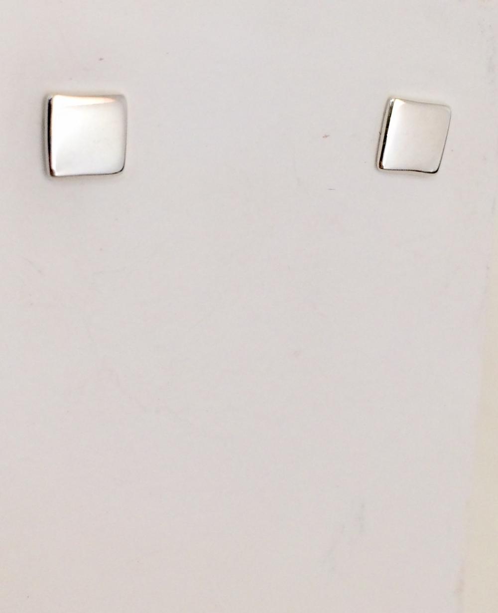 imagem Brinco Geométrico Quadrado Polido em Prata 925.