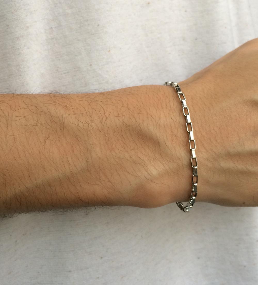 imagem Pulseira Unissex Cartie em Aço Cirúrgico.