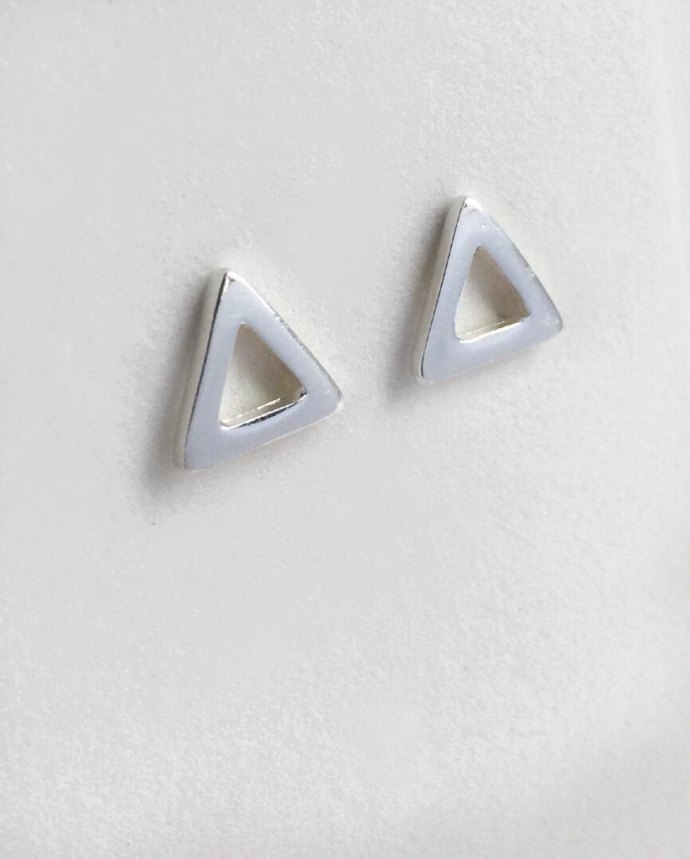 imagem Brinco Triangulo vazado