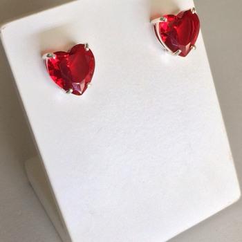 imagem Brinco de coração de cristal de prata 925