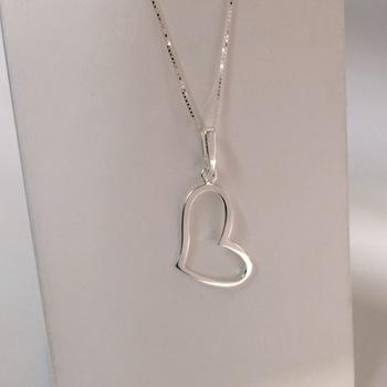 imagem Conjunto em Prata 925 com corrente e pingente coração